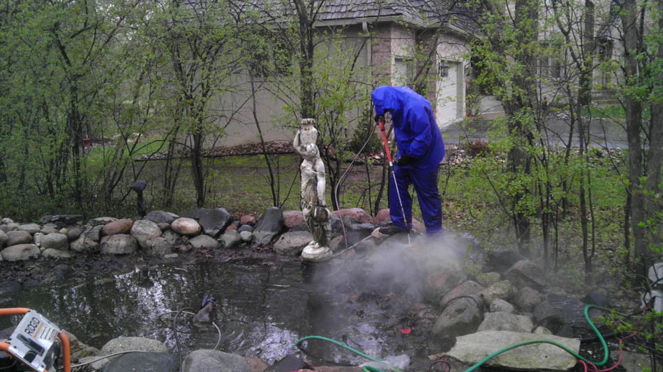 Cn 39 r lawn n 39 landscape outdoor pond maintenance for Professional pond cleaners